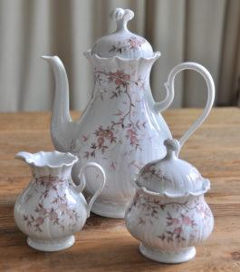 Kaffee kanne, Milchkanne, Zuckerdose / Coffee pot, milk jug, sugar bowl
