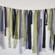 blue & green ribbons on string, blau und grün geschnurrt