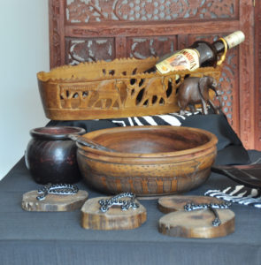 Afrika, holz, brotkorb, Holzschale, baumscheibe, Bread basket, carved, wooden bowl, tree disks, Africa