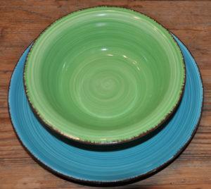 Keramikgeschirr Berlin dekoverleih decor hire crockery coloured plates farbige keramikteller