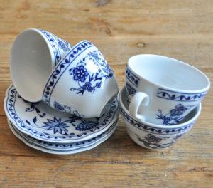 tea party, teacup, blue and white, Porzellan Teetasse, blau und weiss, Kaffeeklatsch decor hire dekoverleih berlin zebra rose