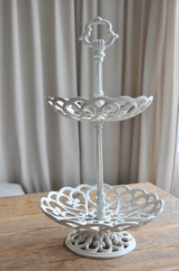 Tea time, etagere, gußeisern, cast-iron cake or cookie stand