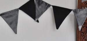 Girlande schwarz silber / bunting silver black satin