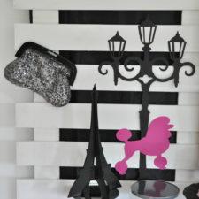 Lamppost silhouette paper art, bling handbag. Paris theme party decor hire Berlin | Dekoverleih Berlin Papierkunst