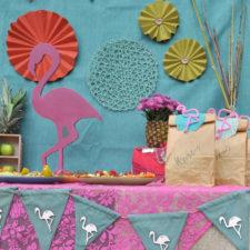 Dekoverleih Berlin Themen-Deko Mottoparty Flamingo fiesta Girlande Geschenktüte theme decor kids party gift bag bunting